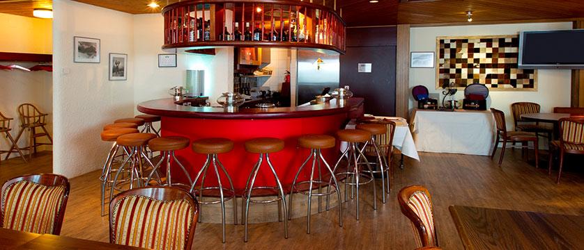 Hotel Silberhorn, Wengen, Bernese Oberland, Switzerland - bar and lounge.jpg